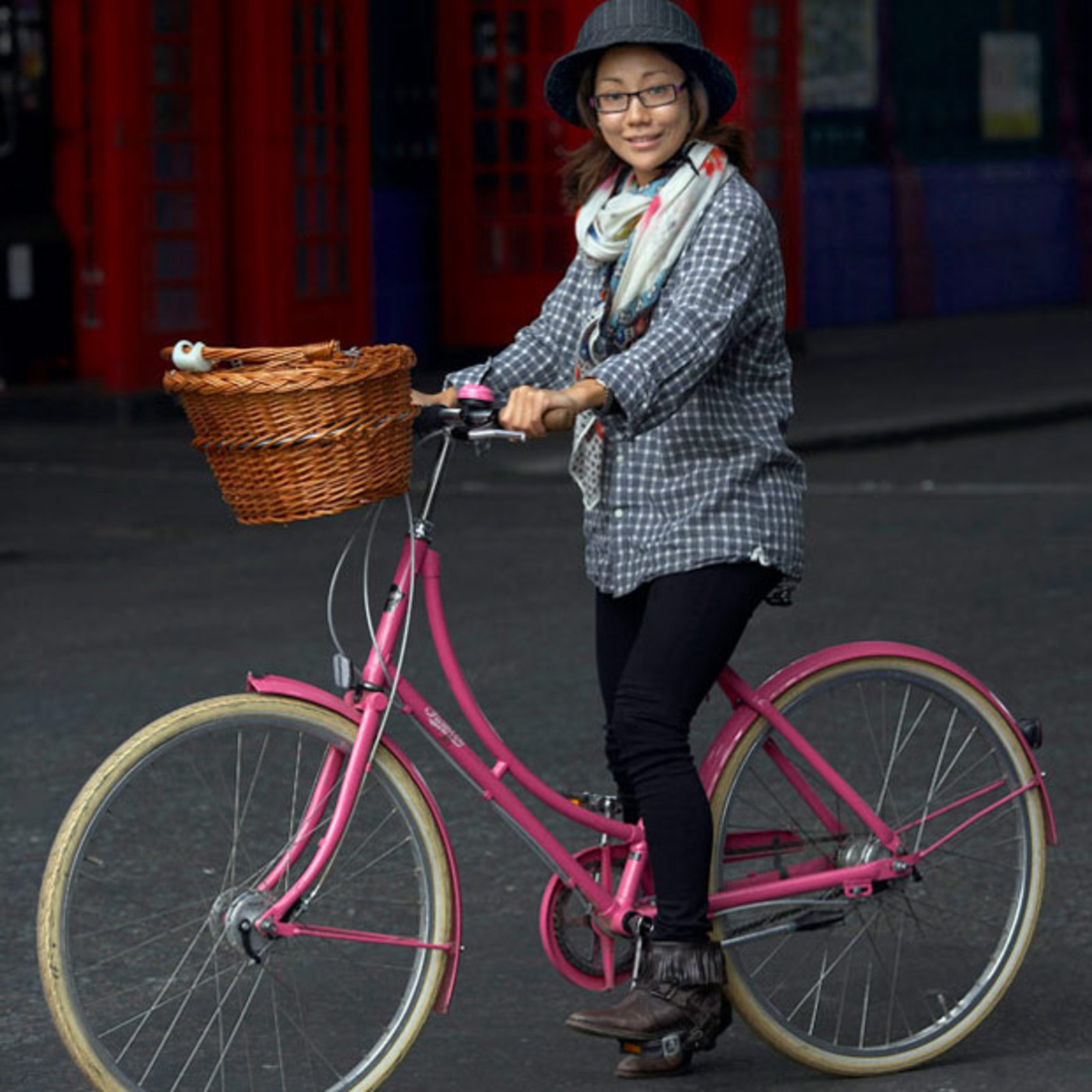 Cycle Style Vs Cycle Chic Cool Hunting