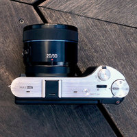 First Look: Samsung NX300 and 45mm 2D/3D Lens