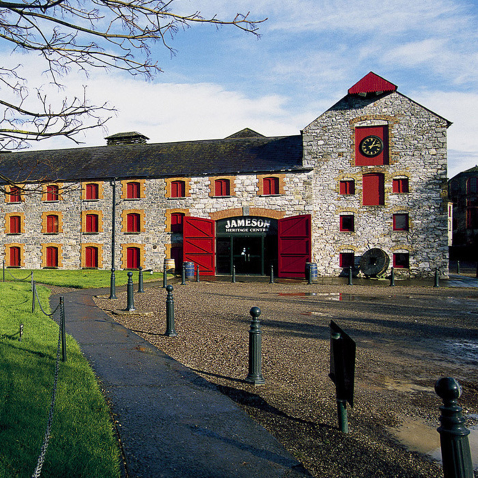 The Irish Whiskey Trail is a free touring and travel guide to ...