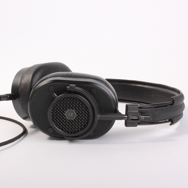 Master & Dynamic's MH40 Headphones