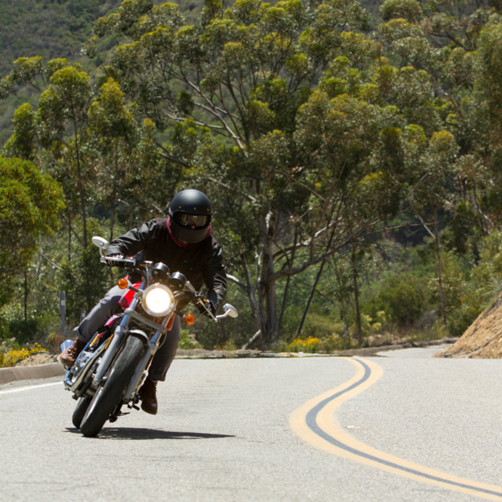 riding royal enfield's continental gt café racer - cool hunting