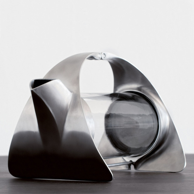 Sorapot 2 Teapot by Joey Roth: The innovative industrial designer reimagines his first ever product with impressive results
