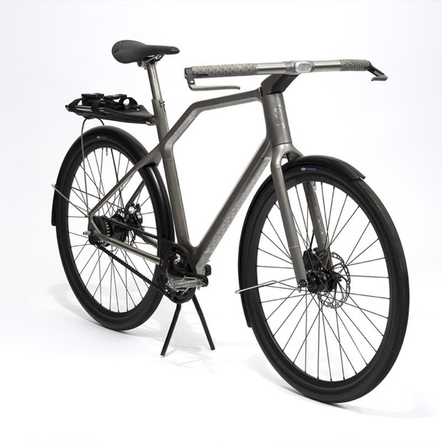 Oregon Manifest: INDUSTRY's Solid Bike: The titanium concept design features integrated haptic navigation and an interfacing app for urban cyclists