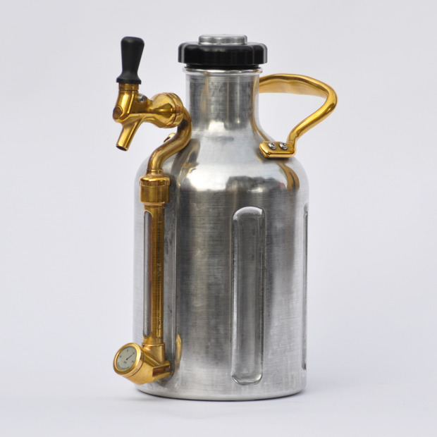 GrowlerWerks: A new in-growler carbonation system keeps beer cool and fizzy all day long