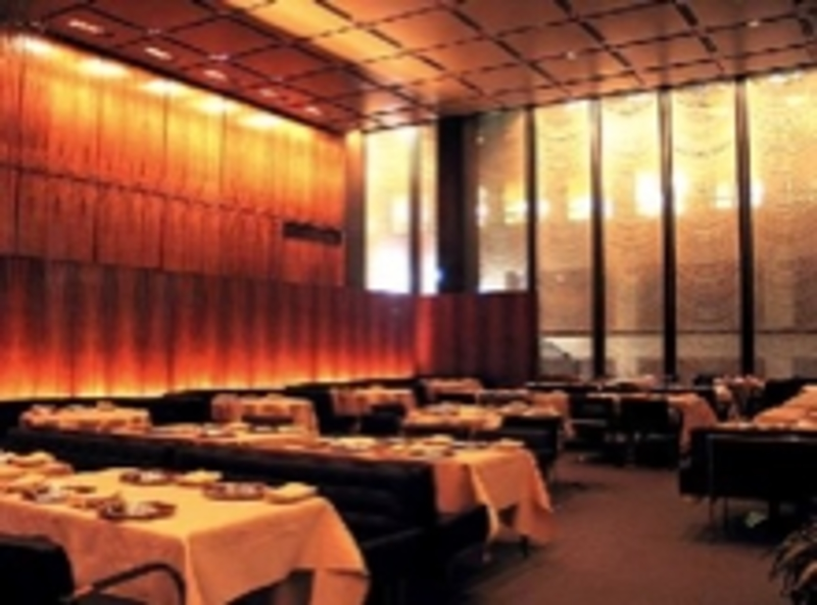 The four seasons restaurant cool hunting for Four restaurant