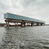 Kraanspoor: Dock Turned Office Building