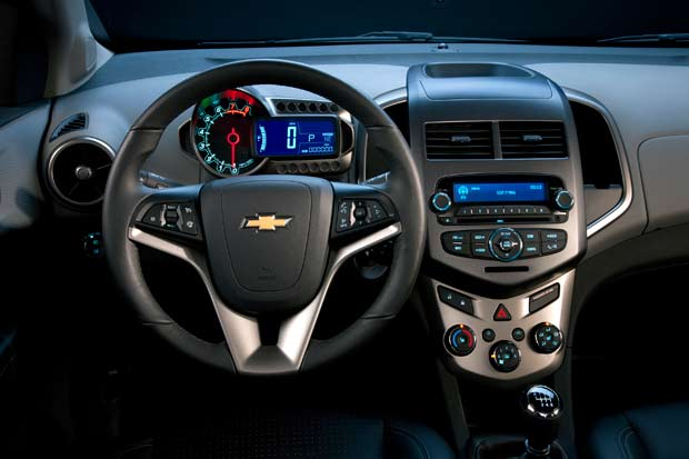 chevy-sonic-5door-interior.jpg