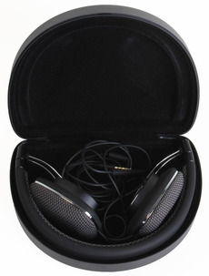 Bowers-&-Wilkins-P3-folded.jpg