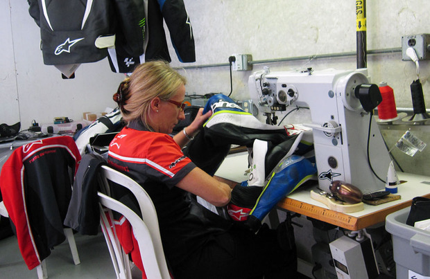 Alpinestars-Antionetta-Sew1.jpg