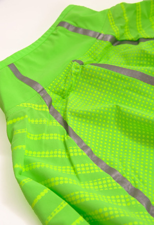 new-balance-hi-viz-collection-1400-beacon-jacket-2B.jpg