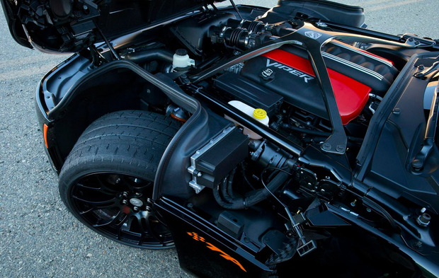 dodge-viper-2014-ta-engine.jpg