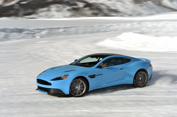 001-aston-martin-on-ice.jpg