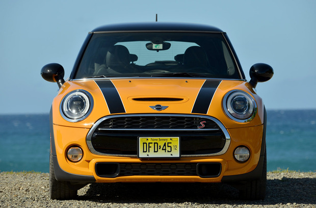 test-drive-2014-mini-cooper-hardtop-headon.jpg