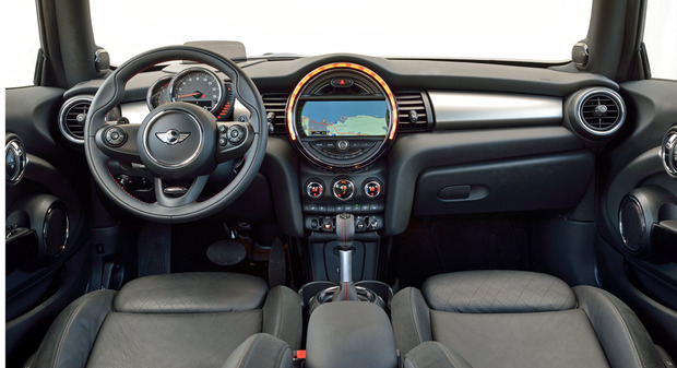 test-drive-2014-mini-cooper-hardtop-interior.jpg