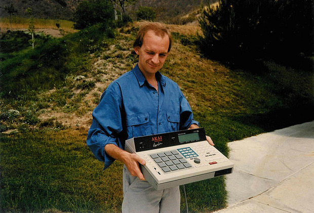 Roger-with-early-MPC60-prototype,-1987-1.jpg