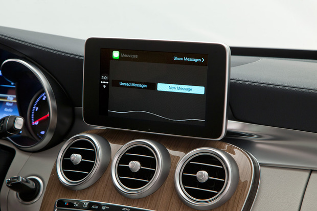 apple-carplay-messaging.jpg