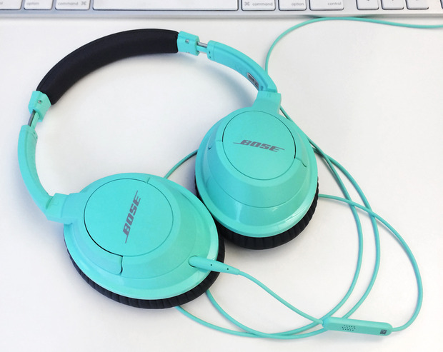 bose-soundtrue-headphones-mint1.jpg