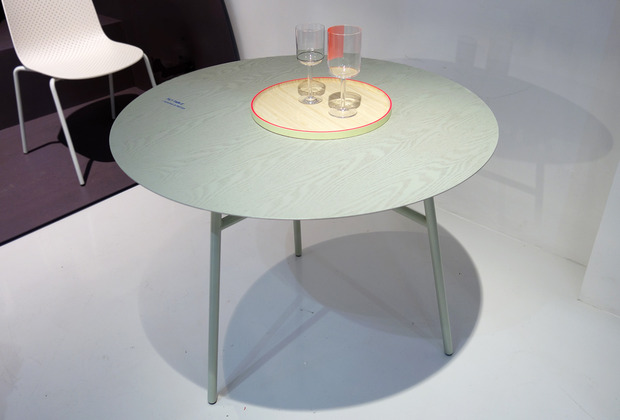 scholten-baijings-hay-tilt-table.jpg