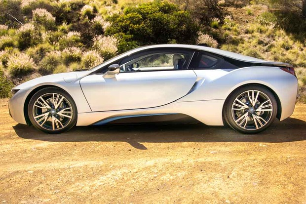 3.BMW_i8_doors_closed.jpg