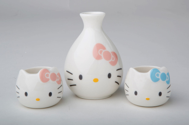 hello-kitty-40th-sake-set.jpg