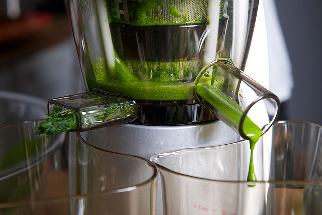 Hurom Slow Juicer Kale : Hurom Slow Press Juicer - Cool Hunting