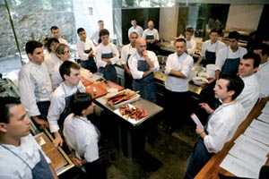 elBulli_kitchen-team_large.jpg