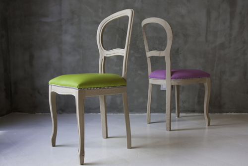greenpinkchairs.jpg