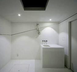 paco-cube-bathroom.jpg