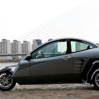 Carver One: Three-Wheeled Automobile