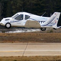Terrafugia Transition: Airplane-Car Hybrid